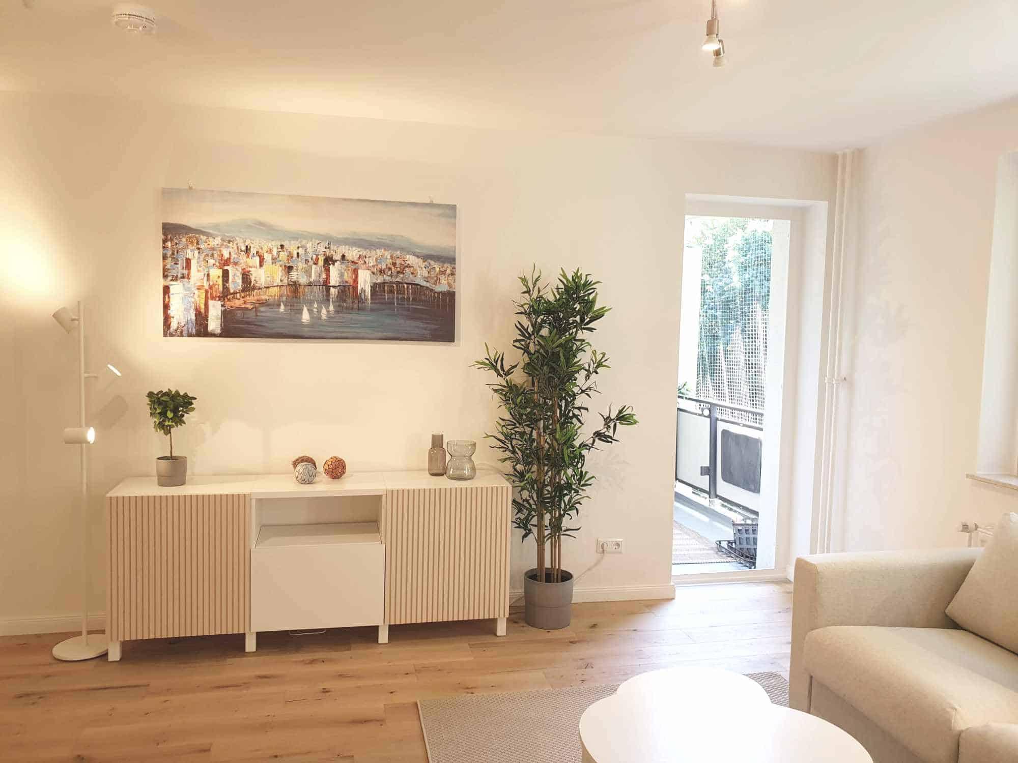 Provisionsfrei: 1 Zimmer Wohnung nahe UKE, Blick zum Balkon